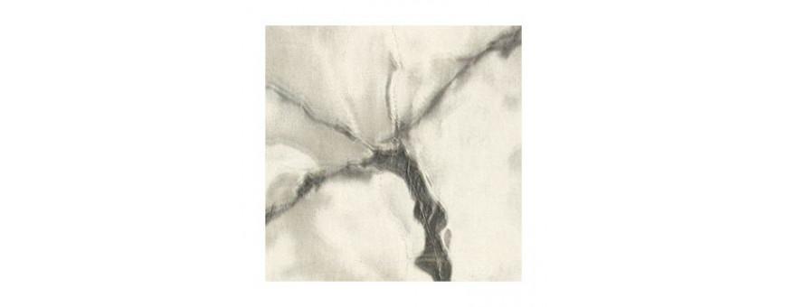 L'adhésif marbre customise les objets, les meubles et donne du design.
