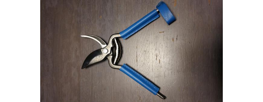 Une sélection de couteaux fermants des différents terroirs français.