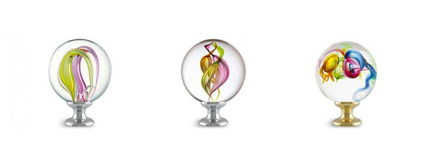 Boules d'escalier en verre, modèles MULTICOLORES des Verreries de Bréhat