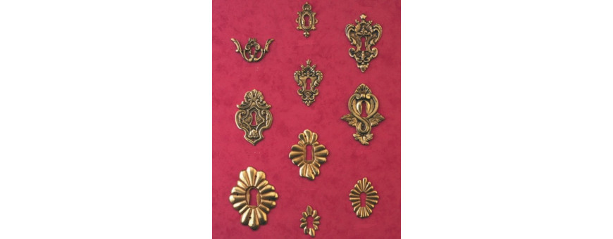 Les entrées de clé et rosaces style Louis XIV