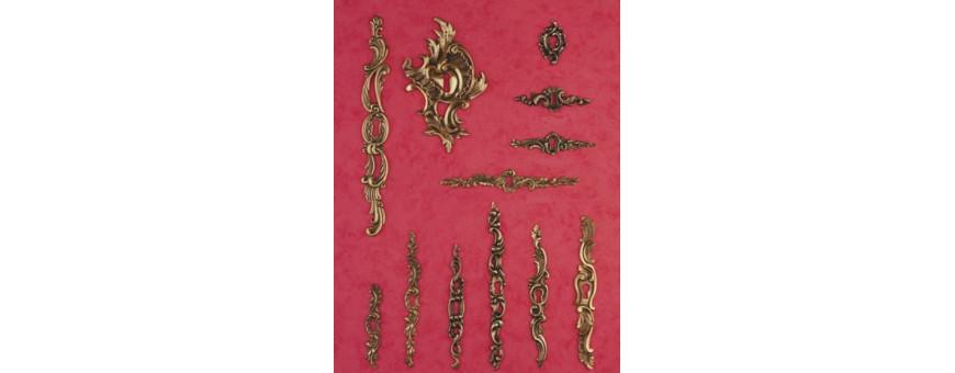 Les entrées de cléfs et rosaces style Louis XV